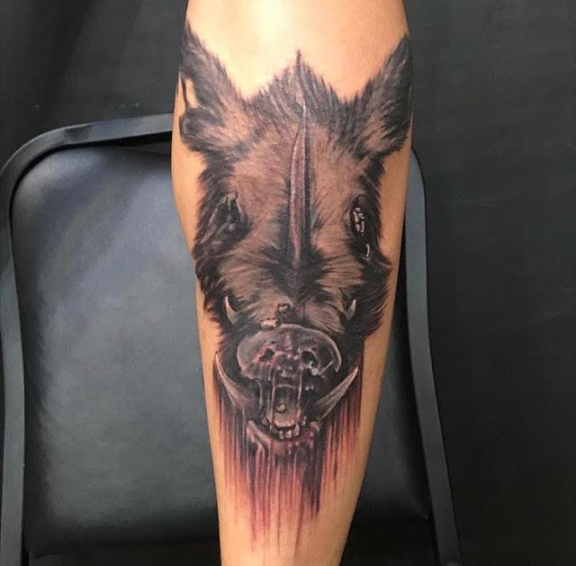 realistic warthog monochrome tat